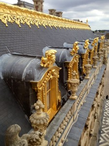 Gold is everywhere, even on the roof!